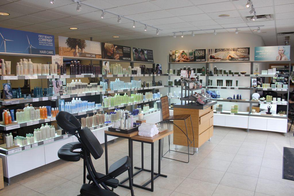 Salon Photography, Beauty Service Photography, Salon Venue Photoshoot in Toronto, Oakville, Burlington, Yorkville, Markham, Yorkdale and the Greater Toronto Area
